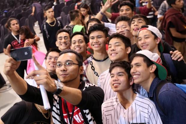 Xernan doing a selfie with his boys